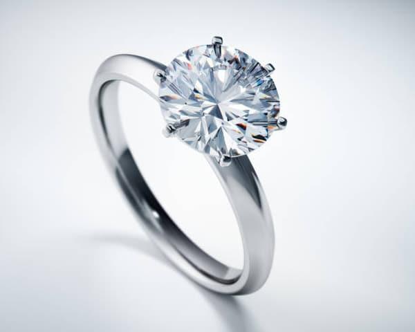 Large Solitaire Diamond